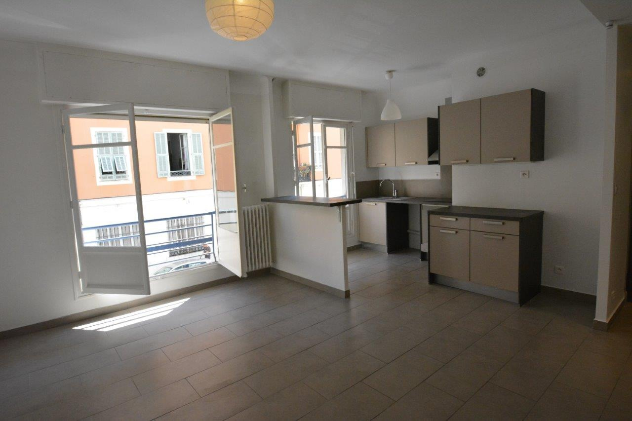 Annonce vente appartement nice 06300 43 m 196 000 992738034777 - Debarras appartement nice ...